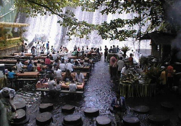 waterfall-restaurant-2