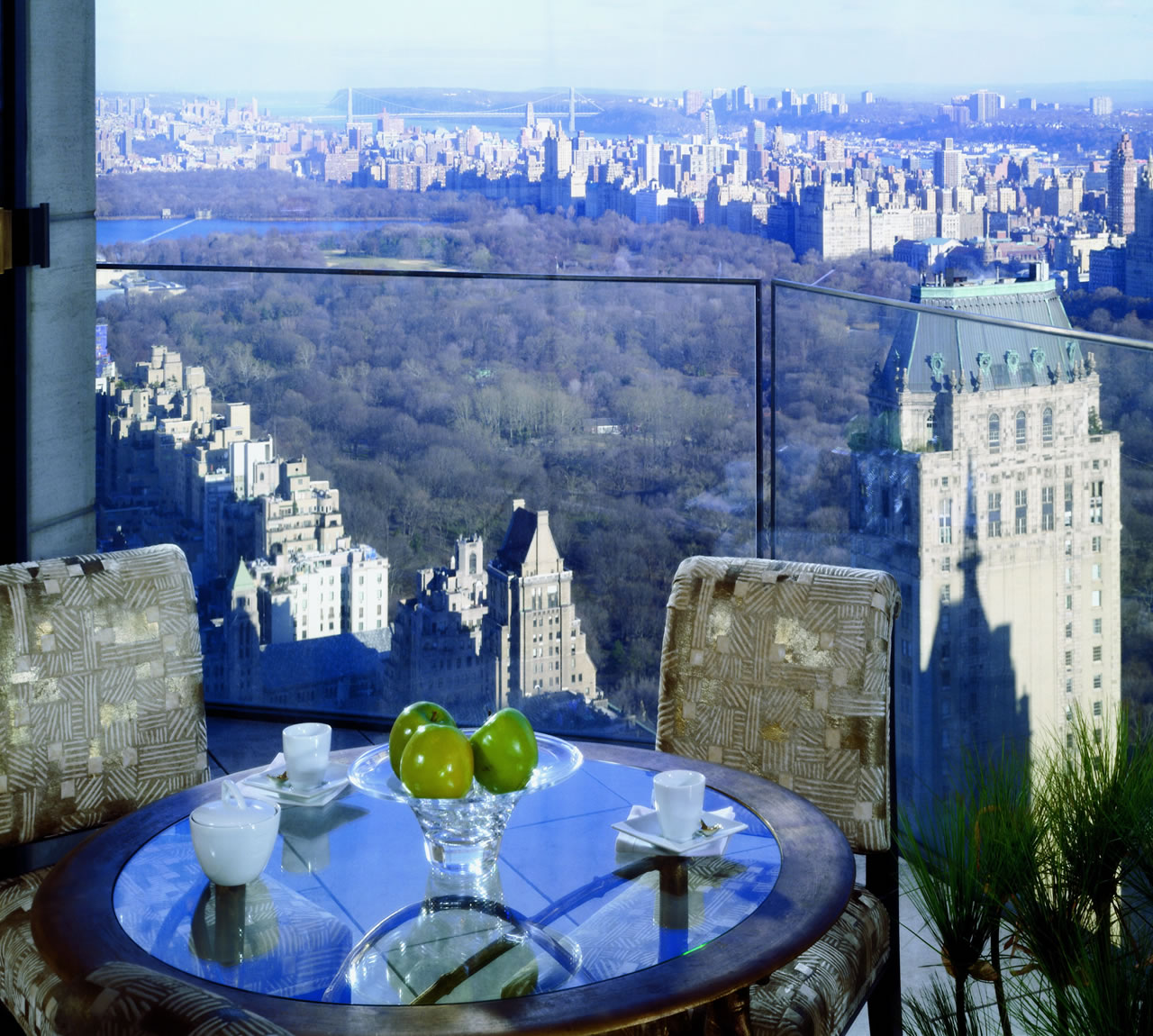 10 most expensive luxury hotel rooms madten for New york city penthouses central park