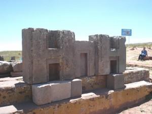 interlocking-stones-of-Pumapunku-Tiwanaku