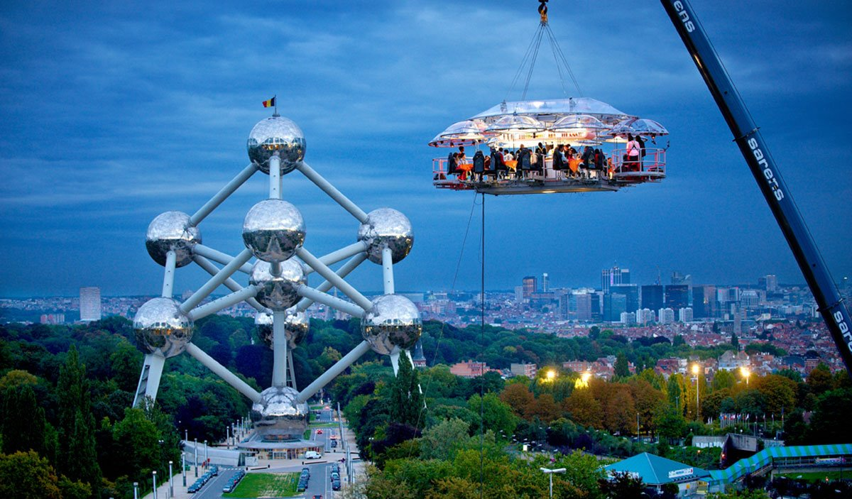Dinner-In-The-Sky-Belgium-Restaurant